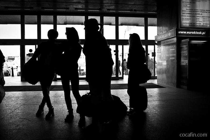 Dziewczyny przy wejściu